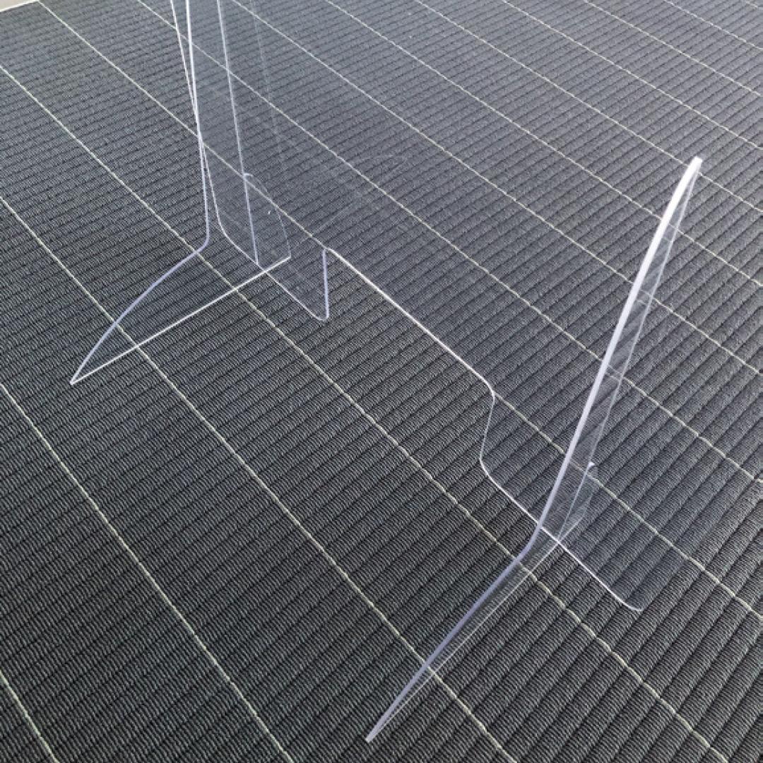 Spuck- und Hygieneschutz mit Durchreiche vollständig aus Plexiglas